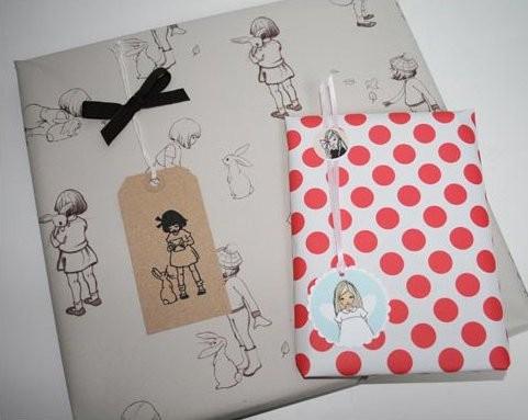 Geschenkpapier mit Belle & Boo