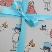 Geschenkpapier von Belle & Boo mit dem Motiv I Like Your Bow & Hat