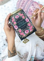 Gypsy Rose Field Sketchbook von Papaya