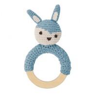 Häkel-Rassel, Kaninchen auf Holzring, wolkenblau