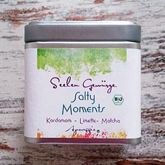 Salz mit Kardamom-Limette-Matcha